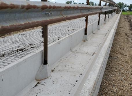 Concrete J Feed Bunks